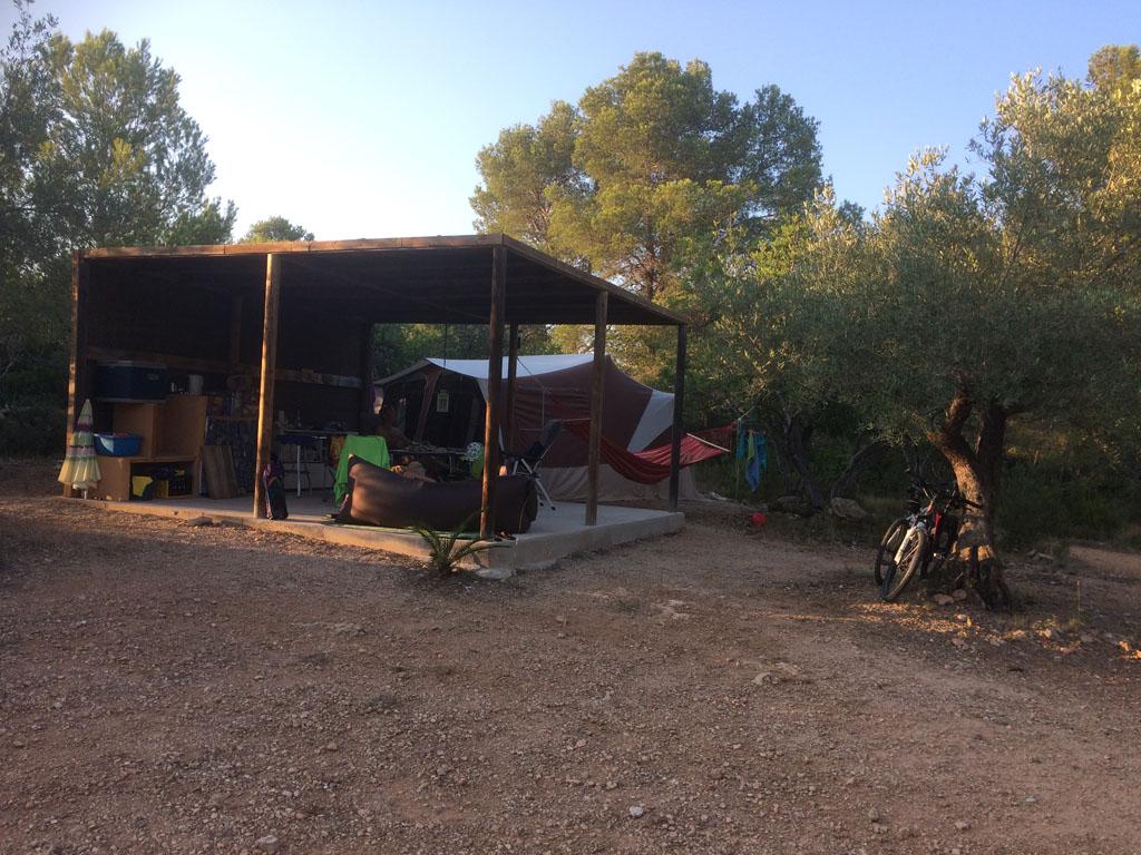 Onze safari kampeerplek op camping Casa Valerosa in Catalonië.