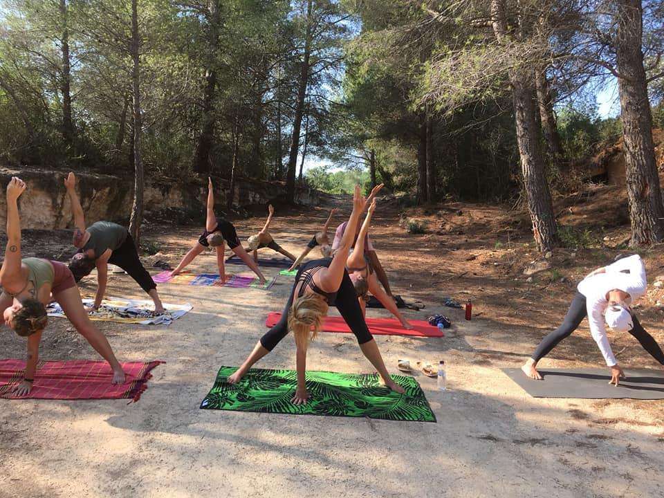 Yoga op de camping.