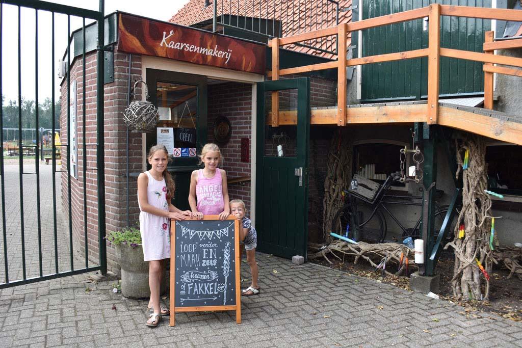 De kaarsenmakerij op Gezinspark 't Smallert