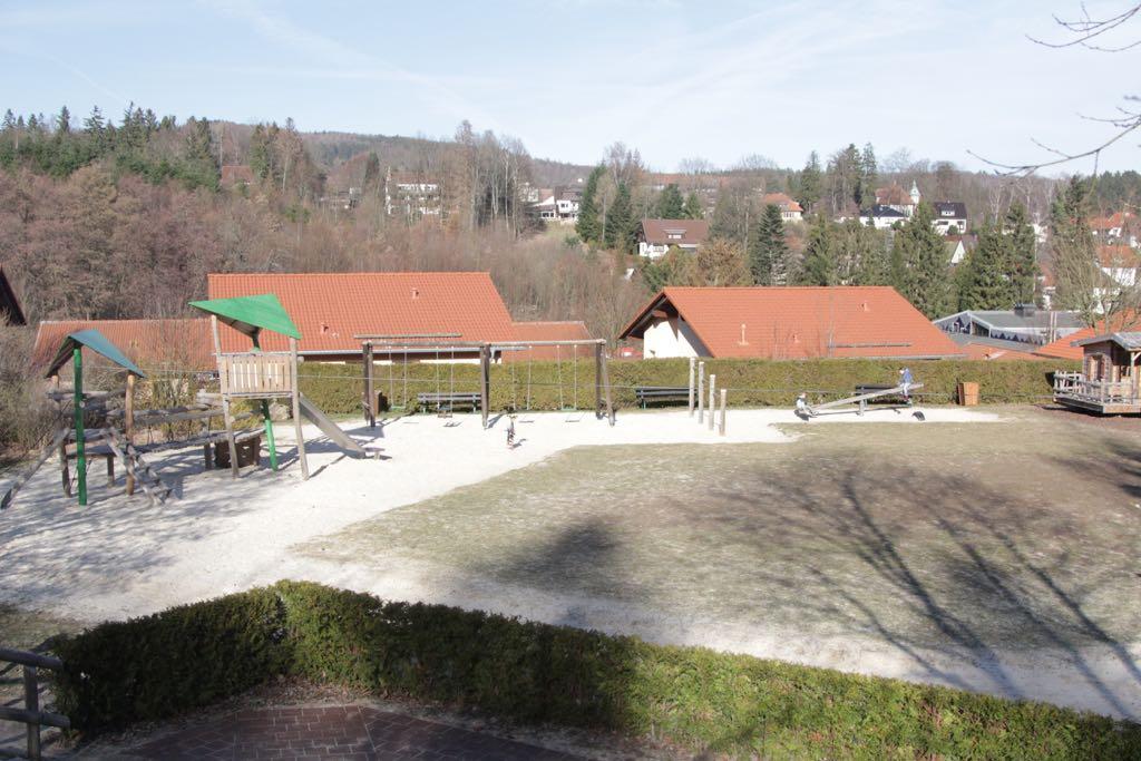 De speeltuin vormt het hart van het park.