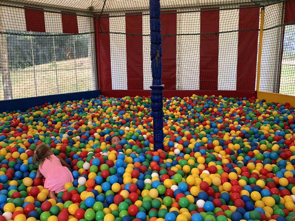 Spelen in de ballenbak