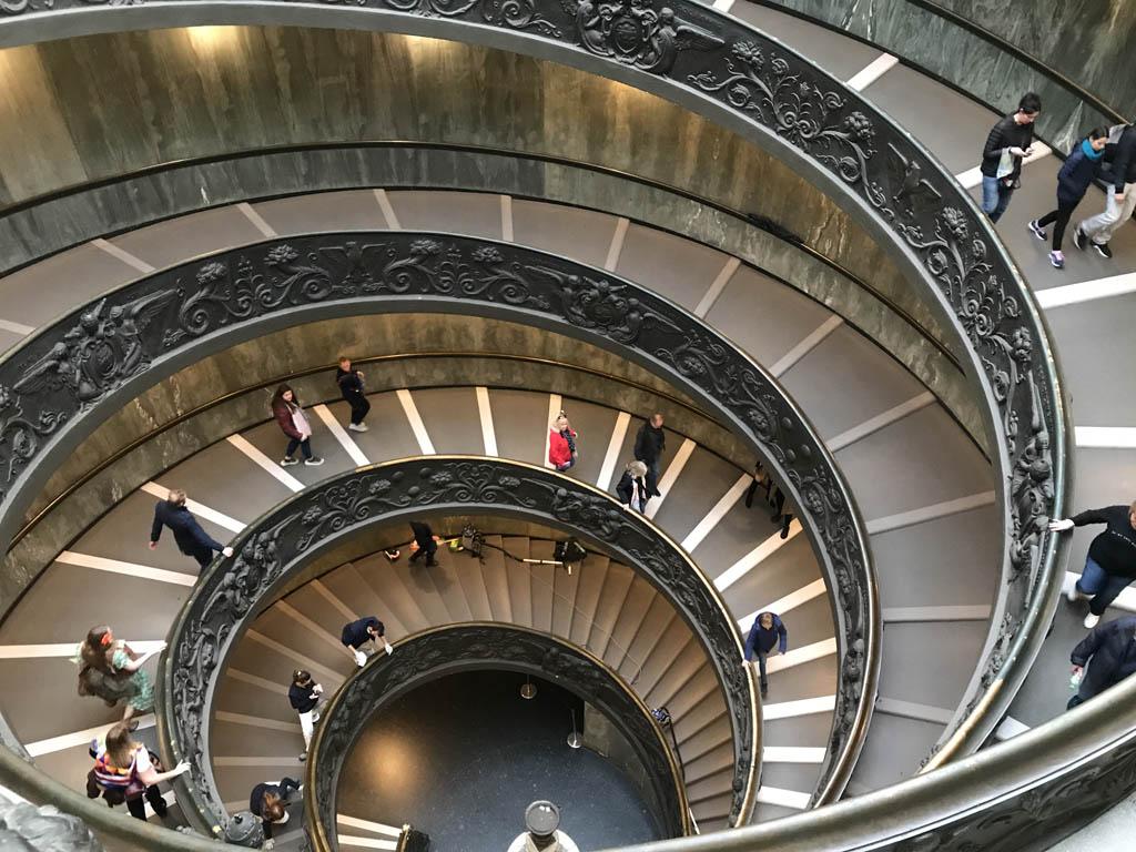 We verlaten het museum via deze fraaie trap.