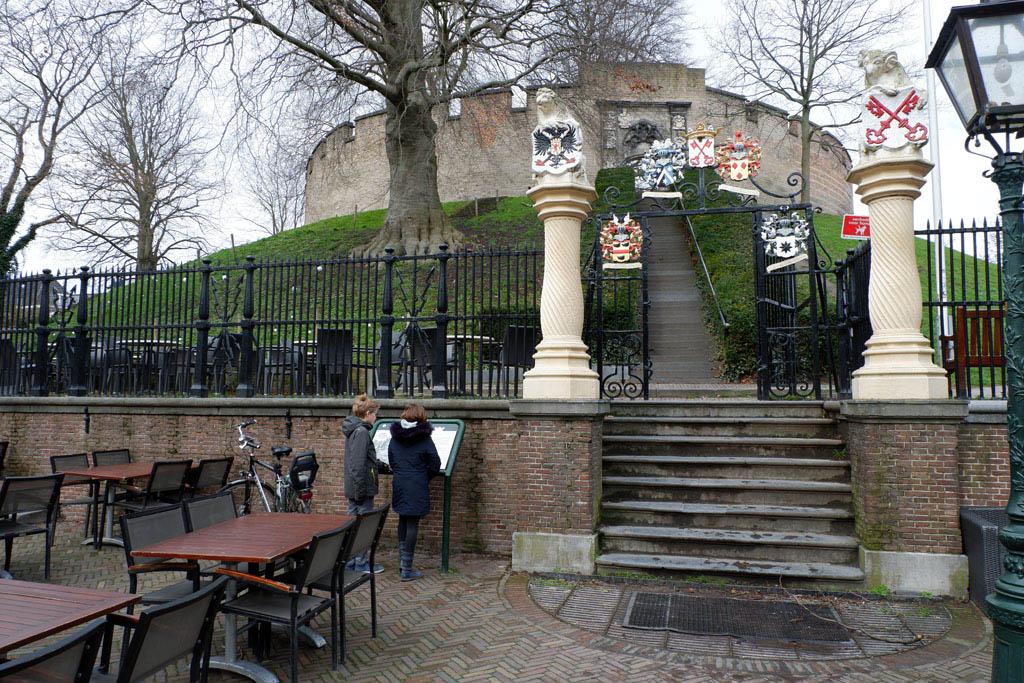 Burcht van Leiden.