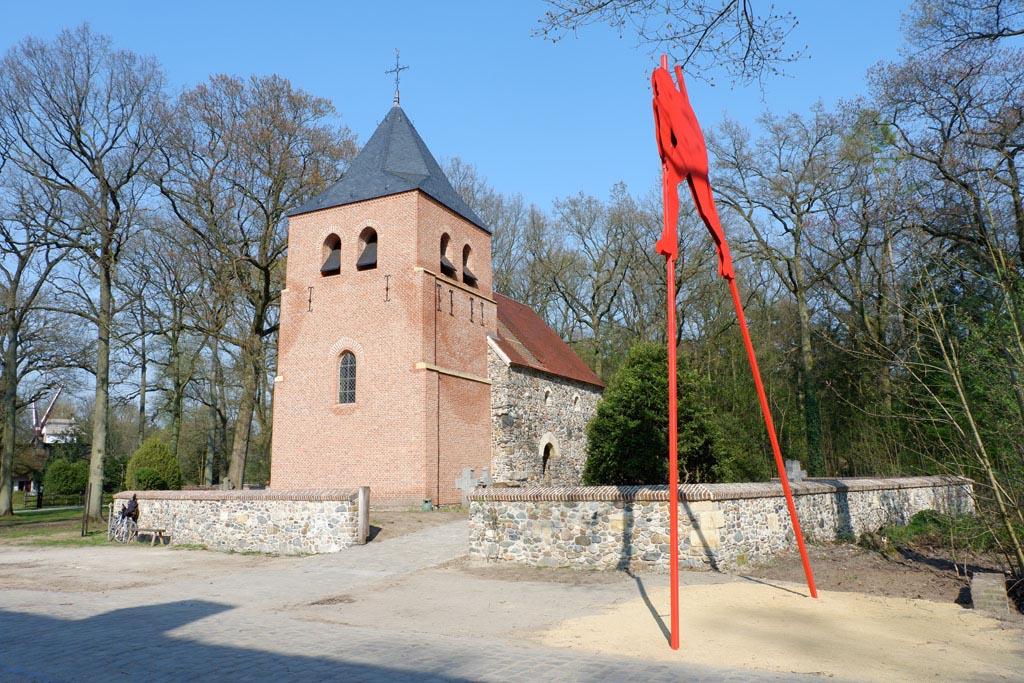 De rode steltloper aan het begin van het Bruegelparcours