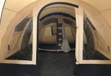 Een ruime gezinstent met meerdere slaapcabines kan heel wat jaren worden gebruikt.