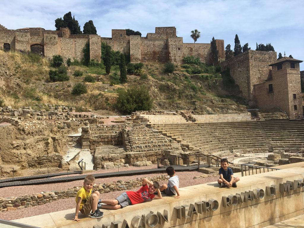 midden in het centrum van Málaga, vinden we het Romeinse theater: Teatro Romano.