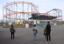 De achtbaan van het familiepretpark in Devon: niet over de kop, maar wel hard!