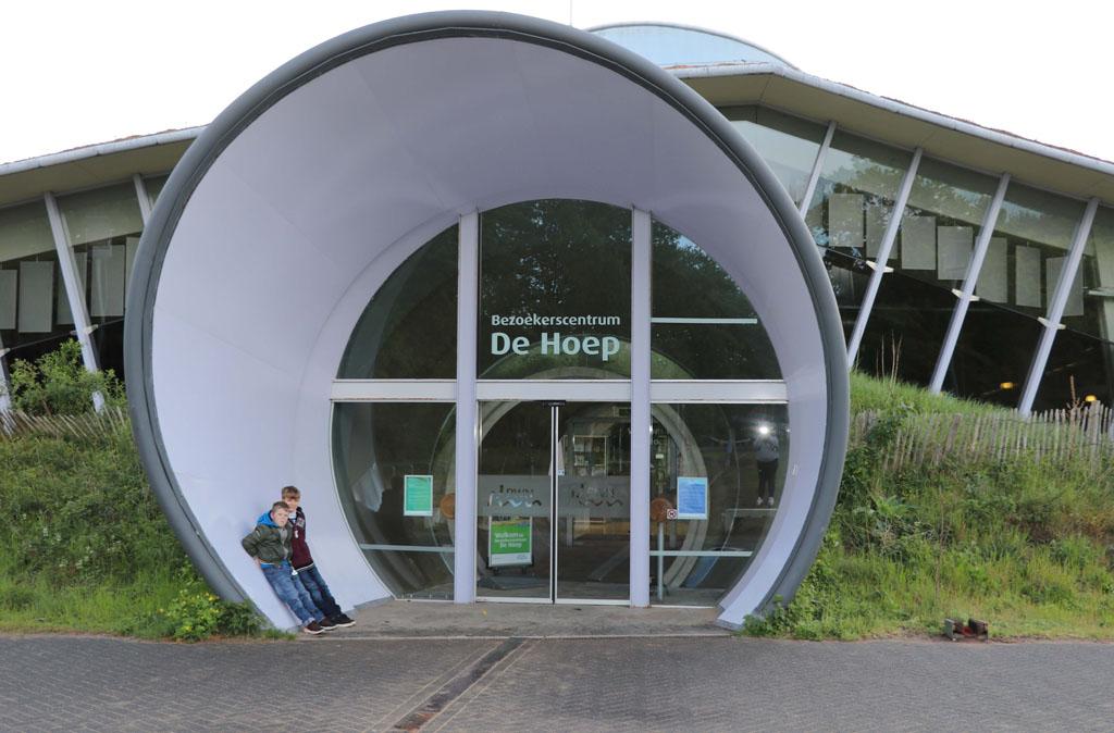 Een bezoek aan De Hoep mag niet ontbreken tijdens je verblijf in Castricum Slapen-in-de-duinen-33-jpg
