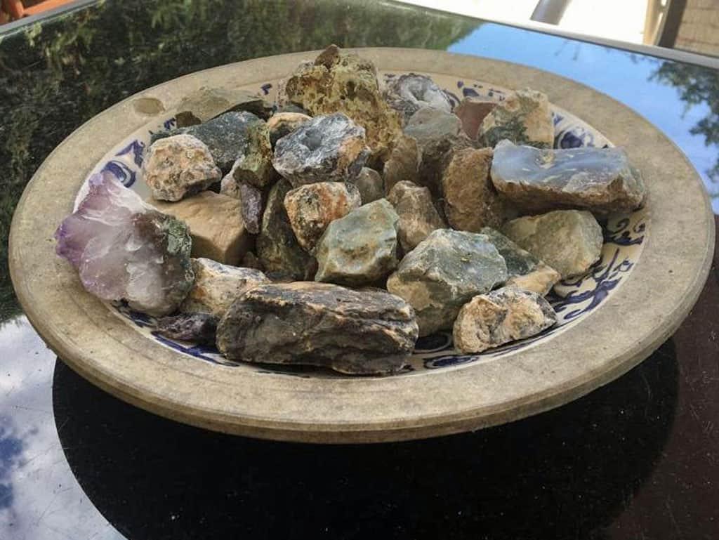 Onze opbrengst: zelf gevonden edelstenen en wat je vindt, mag je houden!
