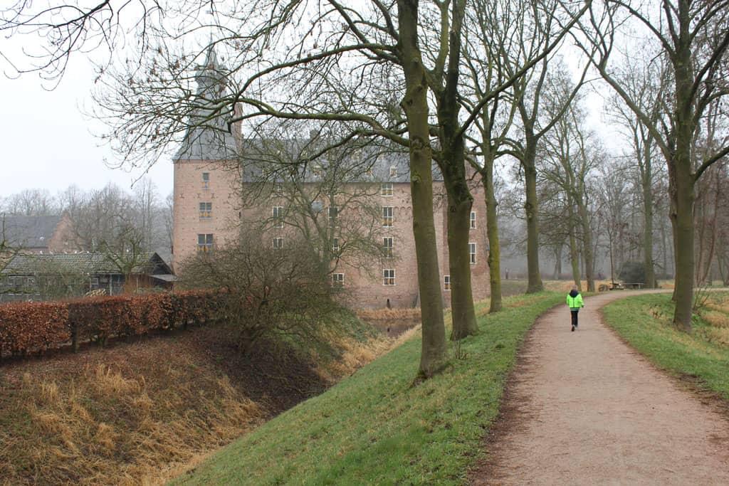 Kasteel Doorwerth heeft het uiterlijk en de sfeer van een echt kasteel.