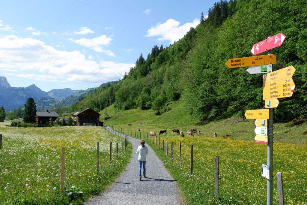 wandelen in het dal van Engelberg