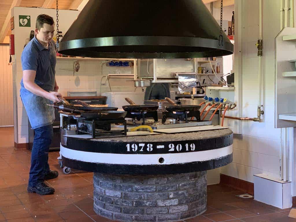 Onze pannenkoeken worden gebakken.