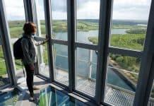 Uitzicht op de meren vanaf de skywalk