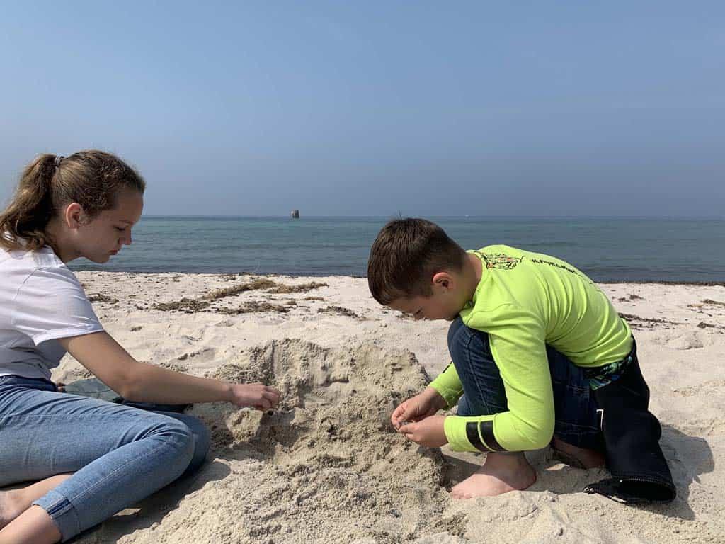 Met zand spelen blijft leuk.