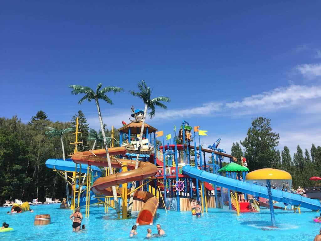 Combineer een dagje dierentuin met dit waterpark.