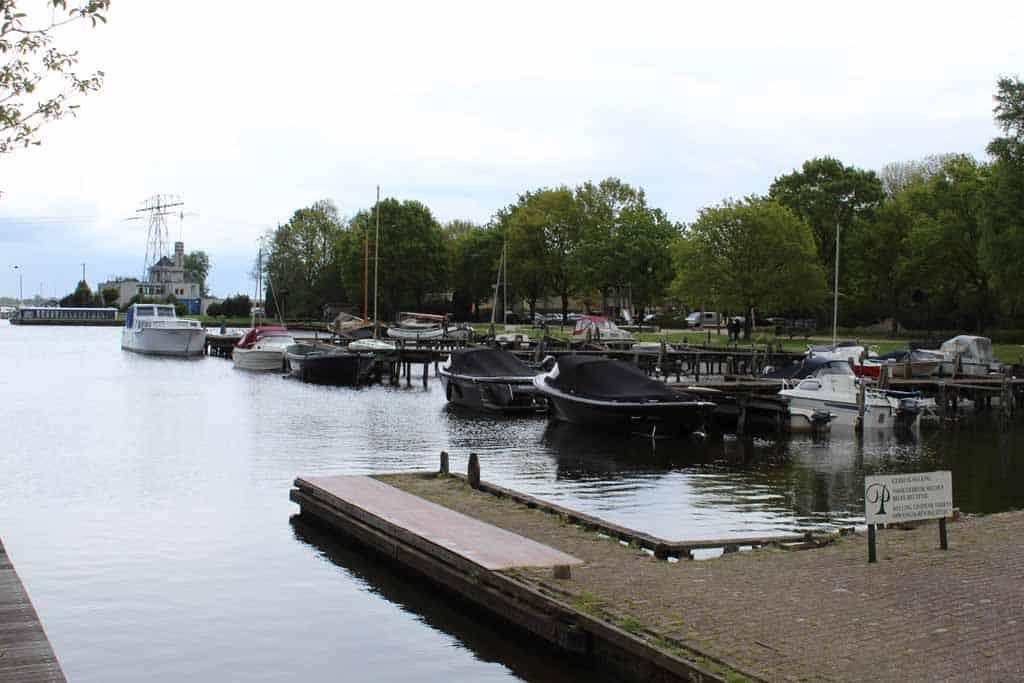 De kleine haven en de jachthaven worden veel gebruikt
