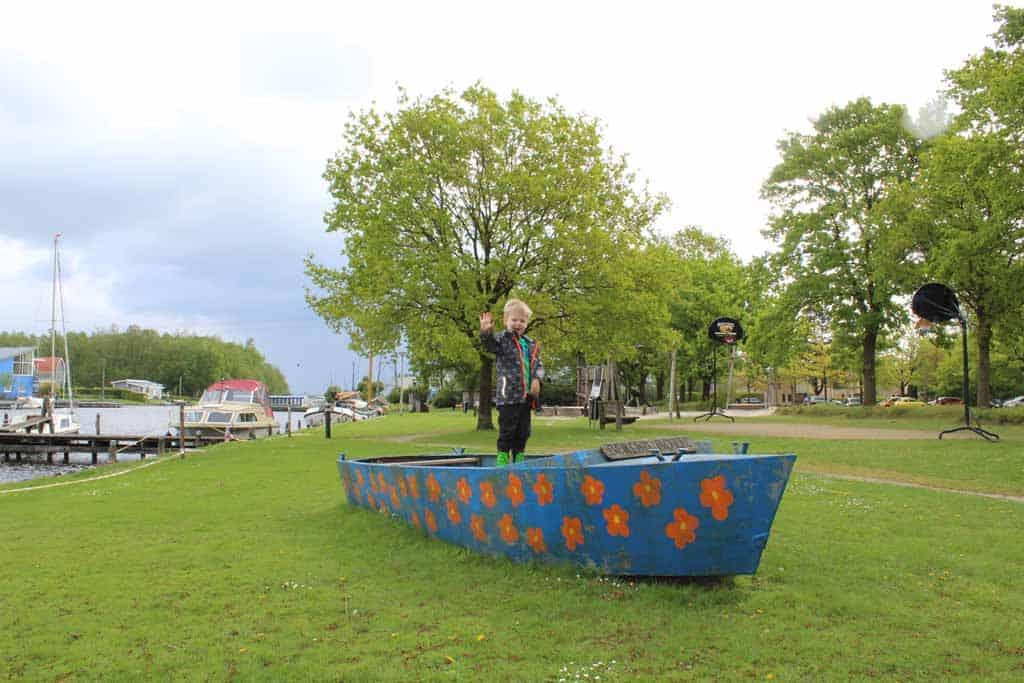 Ook op het park ligt een boot van Berend Botje