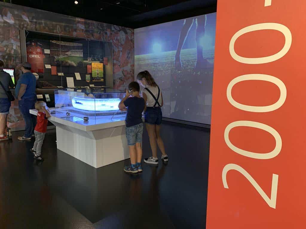 De recente geschiedenis en vooral de informatie over het stadion vinden de kinderen ook interessant.