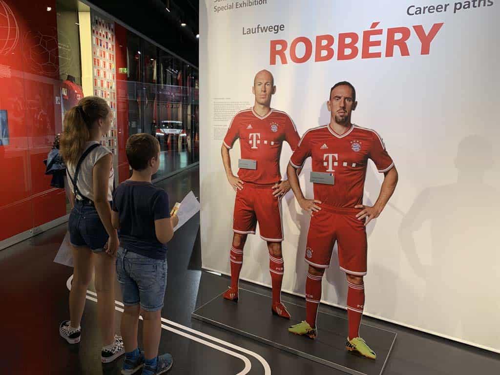 De tijdelijke tentoonstelling over Robben en Ribery.