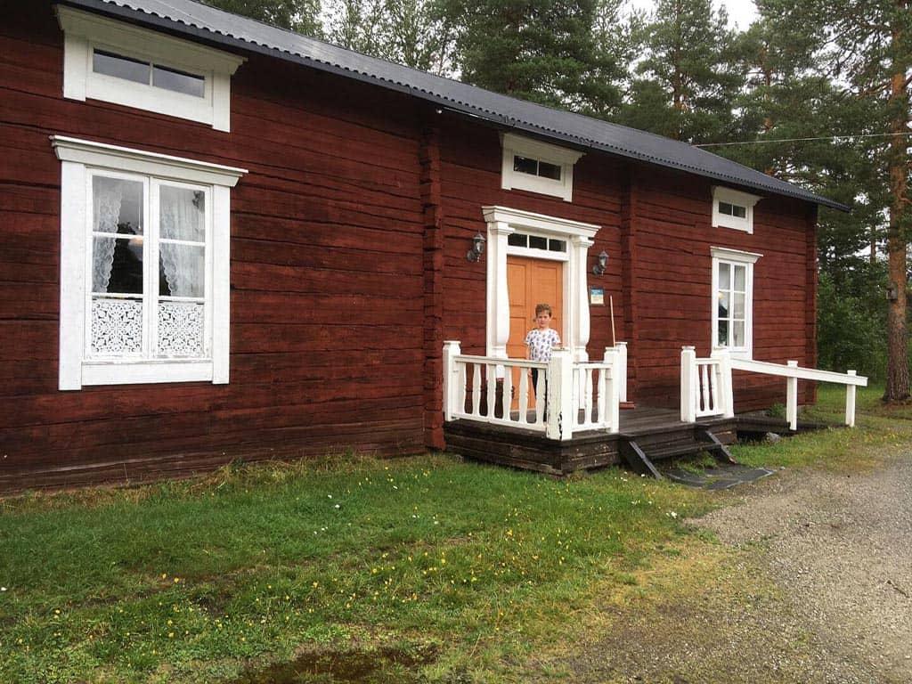 Een huis uit 1850. Het stond oorspronkelijk ergens anders, maar is in Gammplatsen opnieuw opgebouwd.