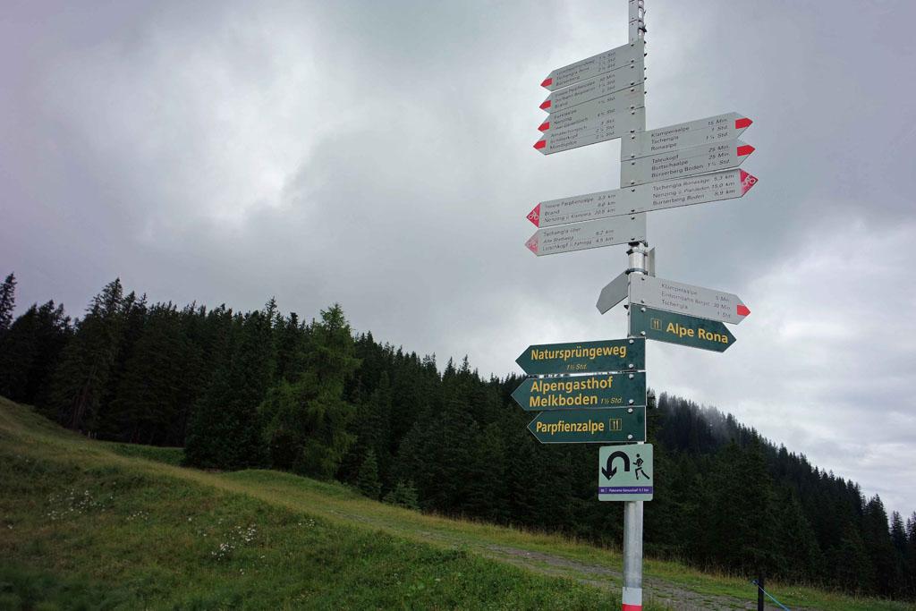 Als we het bordje Natursprünge-Weg volgen komen we er vast brandnertal-wandelen-met-kinderen