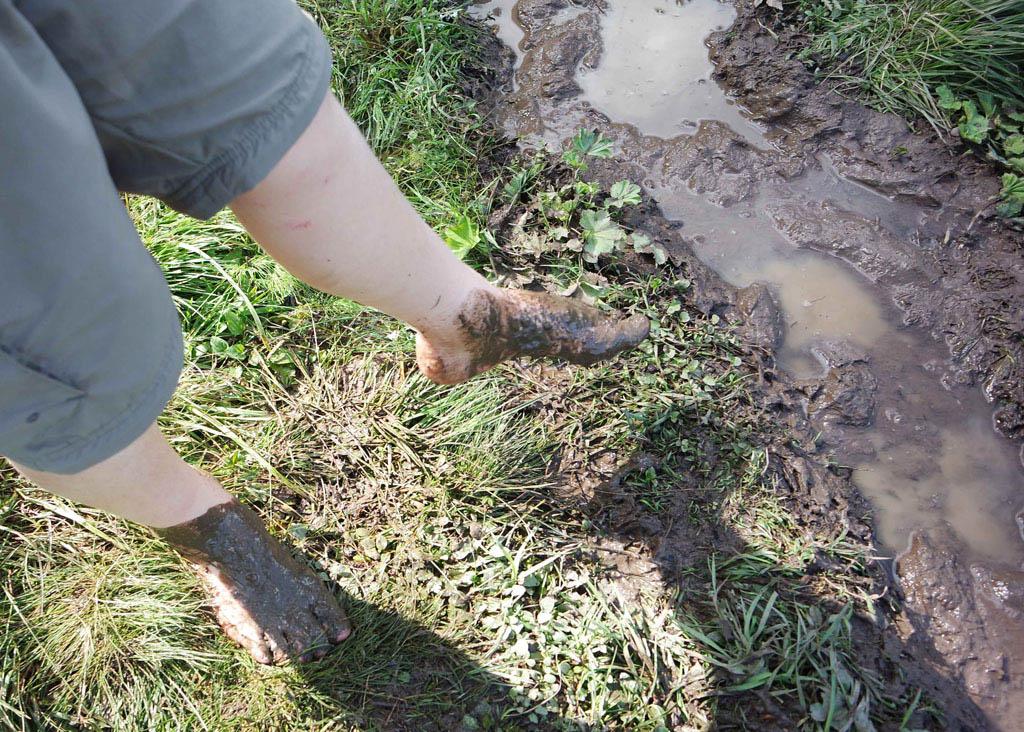 Lekker door de modder banjeren brandnertal-wandelen-met-kinderen