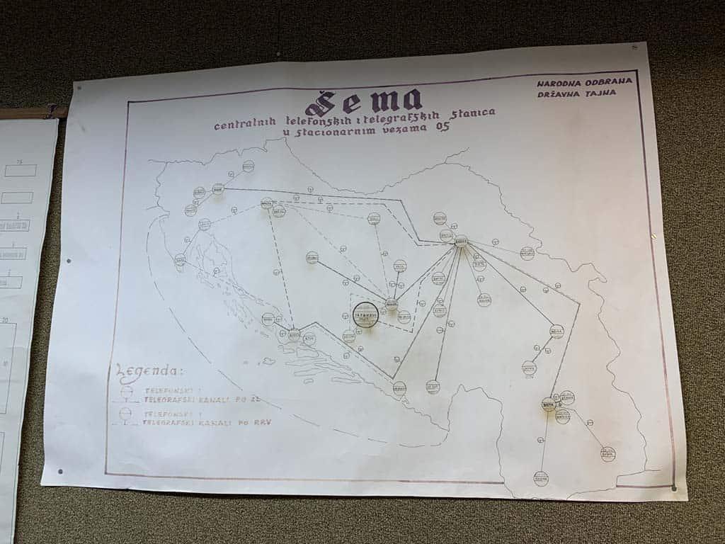 De kaart met alle bunkers en de onderlinge verbindingen.