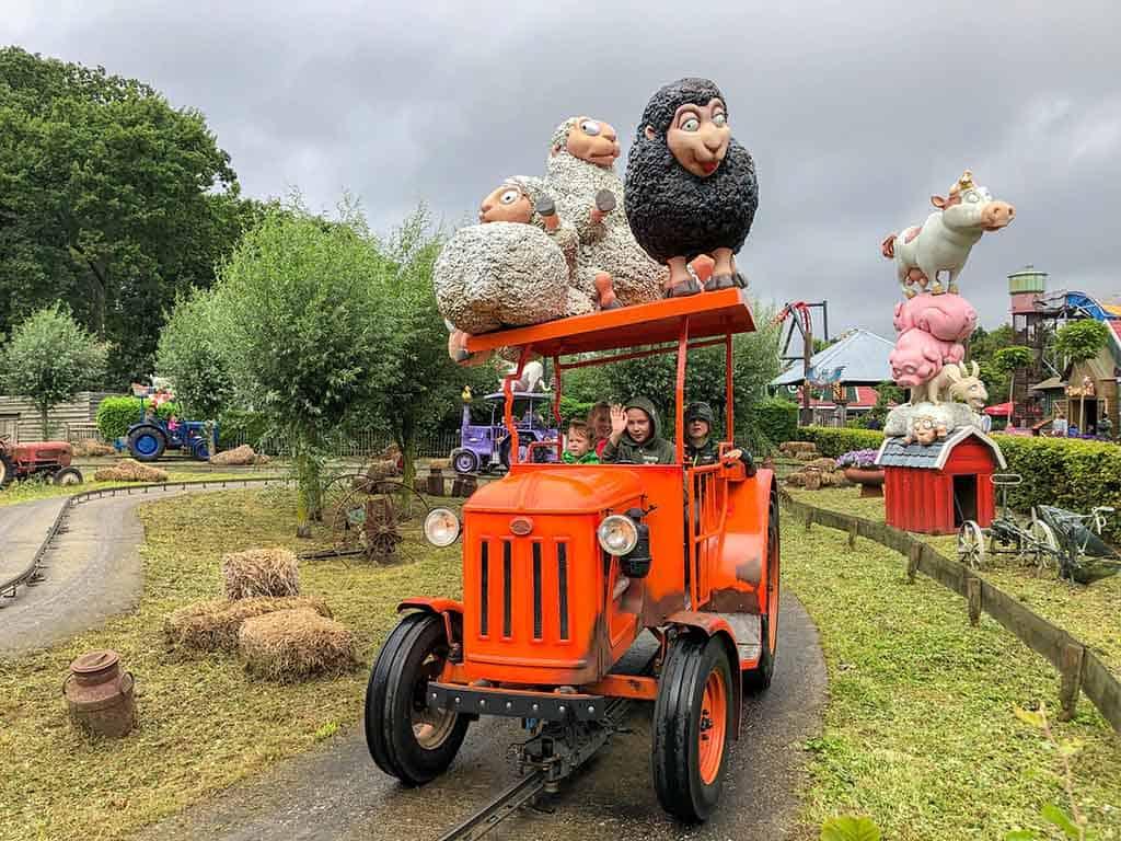 De tractors zijn een grote hit bij de jongste bezoekers