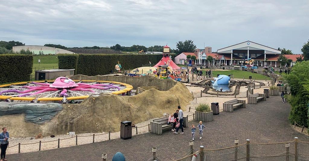 Uitzicht over het begingedeelte van Familiepark Drievliet