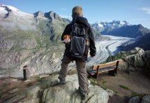 Met rugzak, lange broek, jas en Gorgel ben ik klaar voor de gletsjertocht met kinderen over de Aletschgletsjer gletsjertocht-met-kinderen