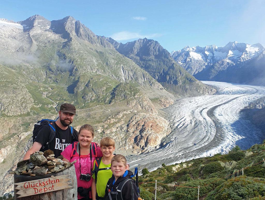 Gek idee dat we daar straks overheen zullen lopen gletsjertocht-met-kinderen