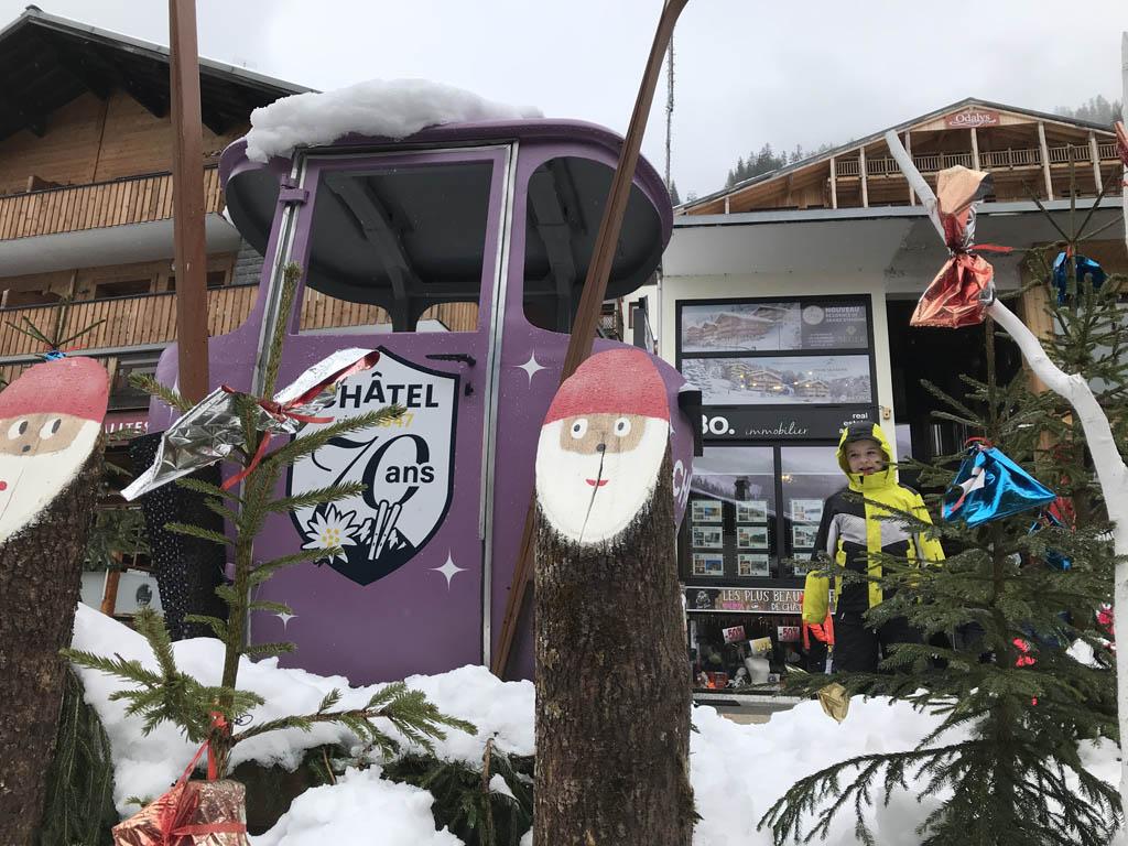 Zie je hem? Samen met mijn 9-jarige zoon ging ik op wintersport in Châtel.