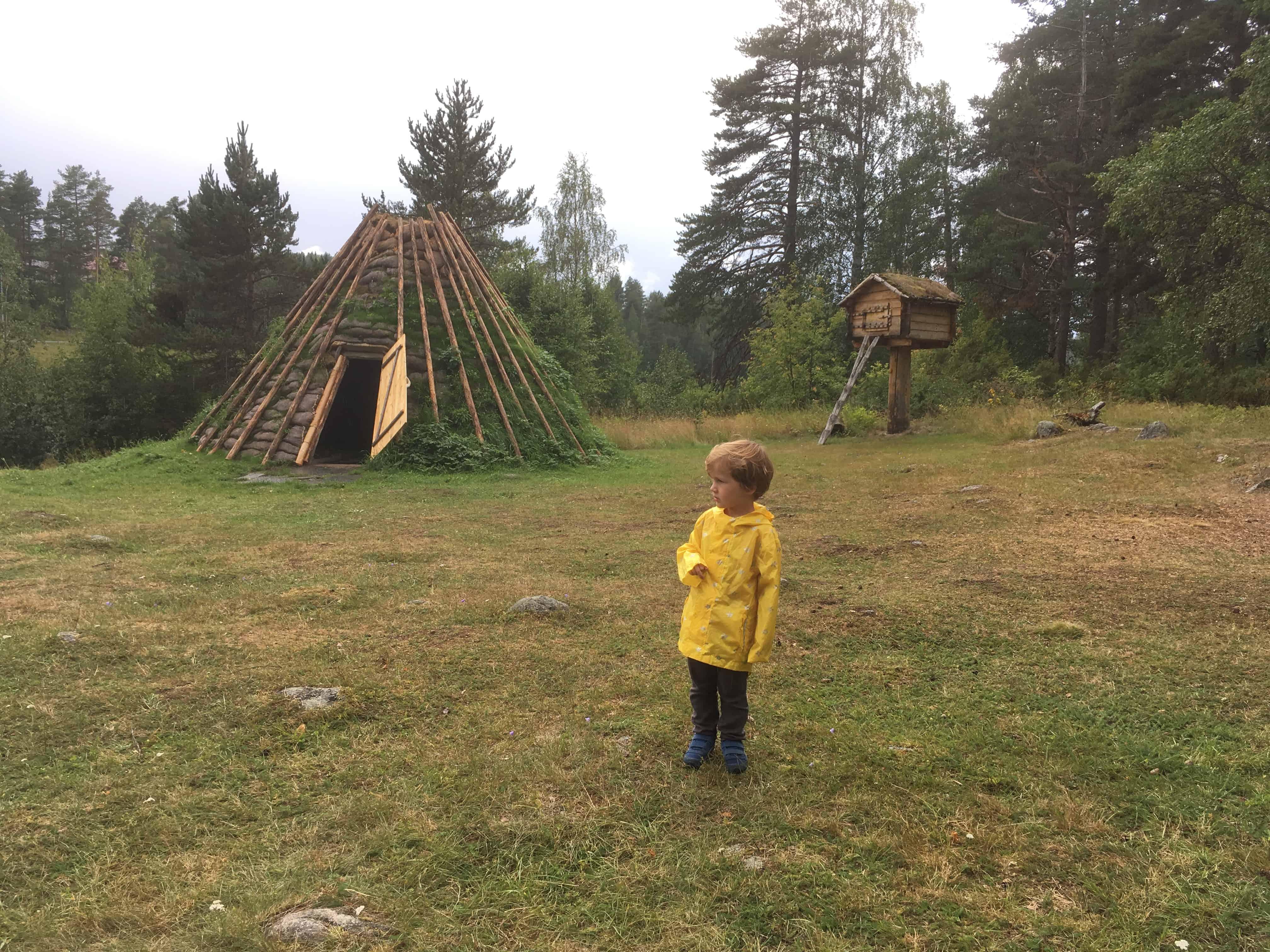 Zo woonden de Sami vroeger.