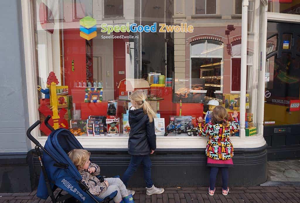 Zwolle is een prachtige oude stad met leuke winkels.