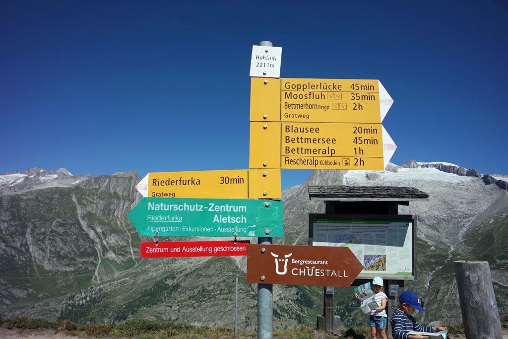 Vanaf het bergstation van de Hohfluh lopen we naar de Riederfurka vakantie-in-de-aletsch-arena