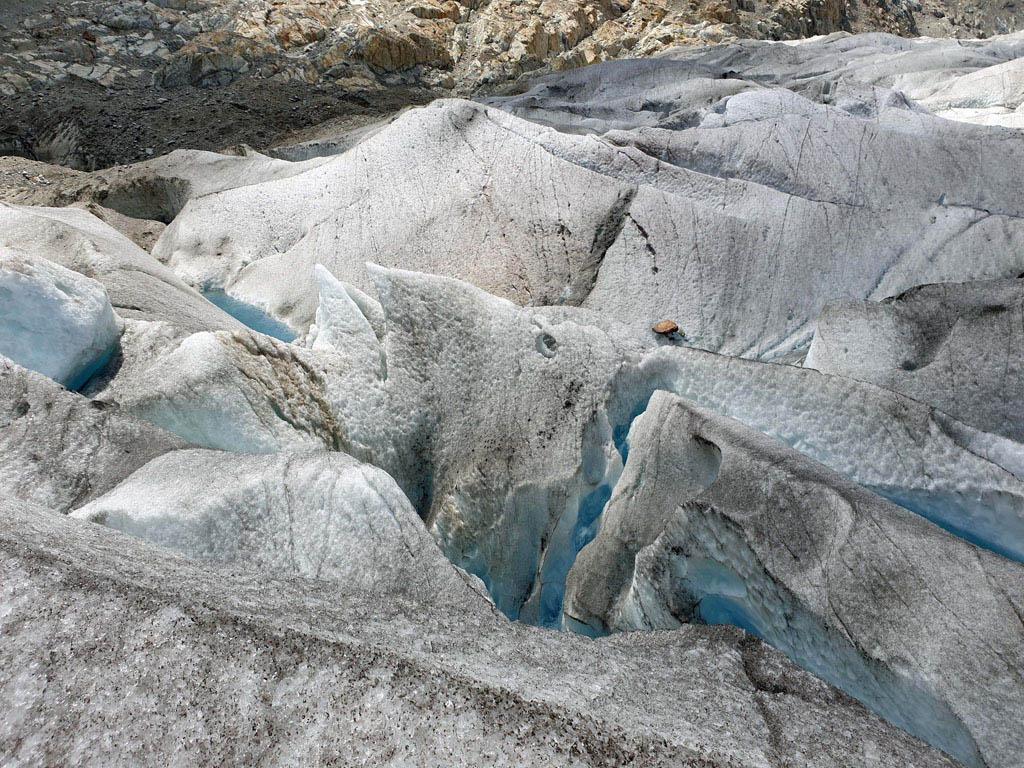 Spannend, langs spleten en gaten over een massa van ijs vakantie-in-de-aletsch-arena