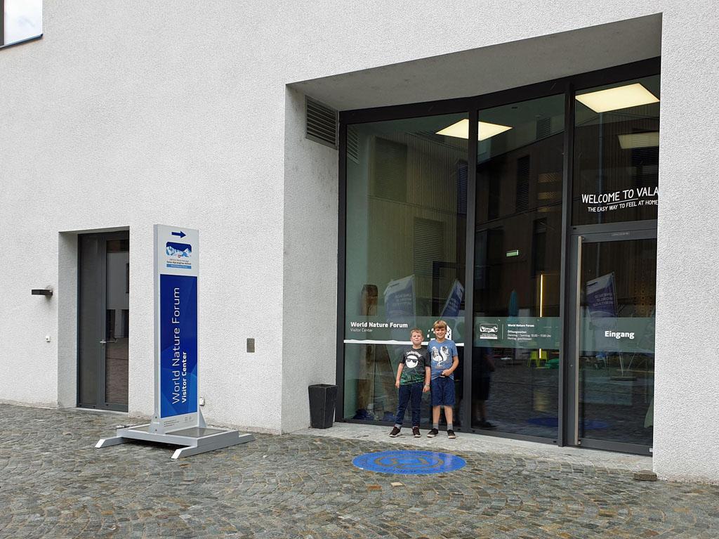 Bij het World Nature Forum in Naters, nu maar hopen dat het leuk is vakantie-in-de-aletsch-arena