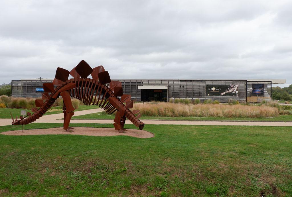 Welkom bij Paleospace odyssee, over dino's in Normandië
