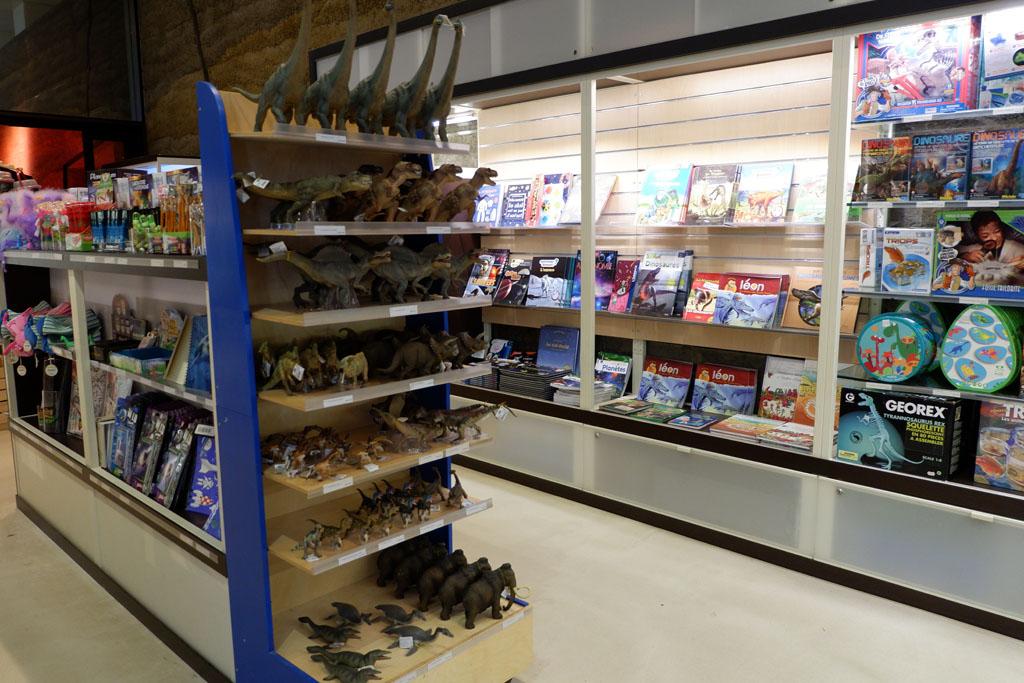 winkeltje met dino's in Normandië in Paleospace