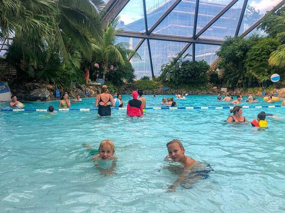 Lekker zwemmen in het subtropische zwemparadijs