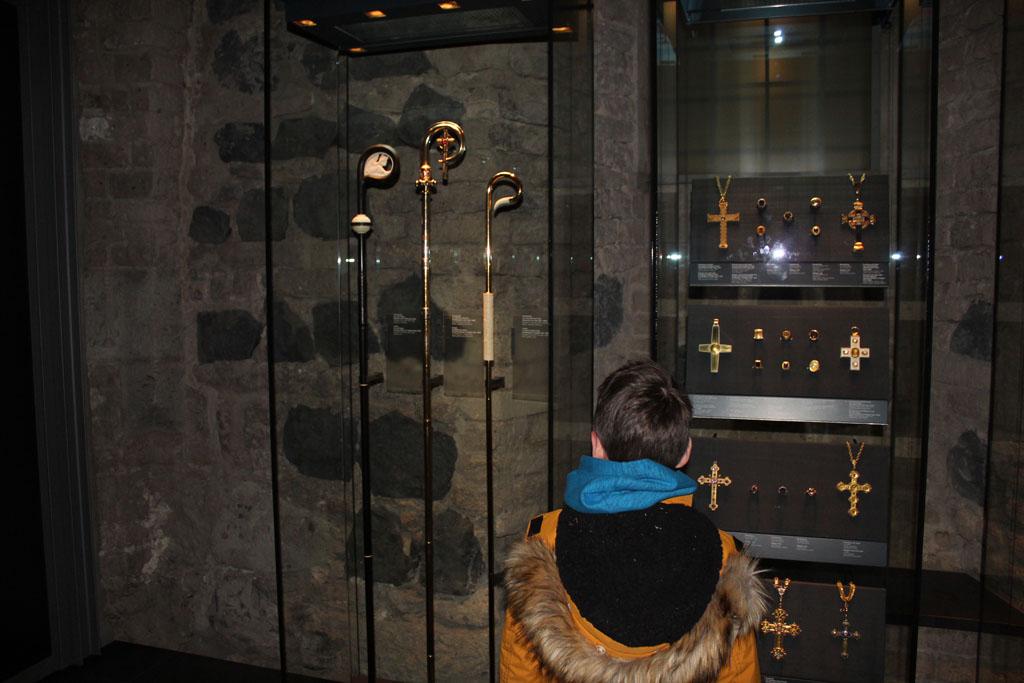 In de ondergronds schatkamer van de Dom zijn veel kerkschatten te bewonderen.