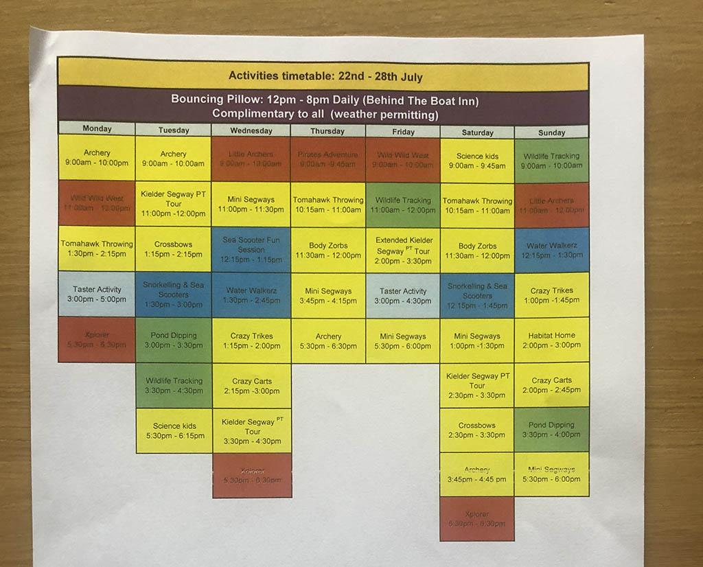 Het activiteitenschema van deze week ligt al voor ons klaar bij aankomst