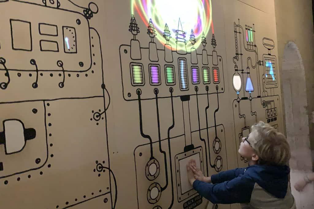 Machine in het Pass met kinderen