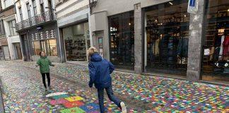 Vrolijke straat in Mons Bergen België