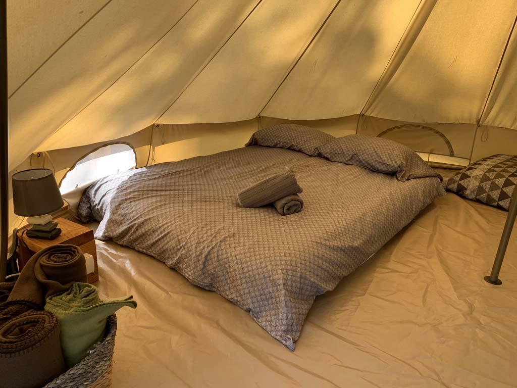 Voor de volwassenen een 2-persoons luchtbed.