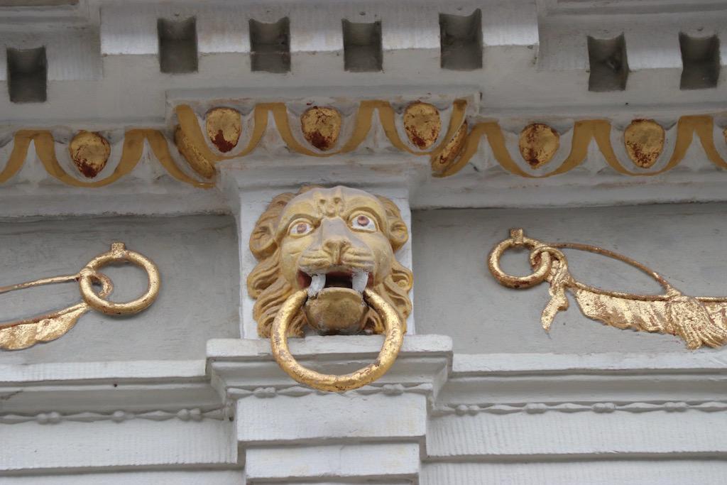 versieringen op de gebouwen van Hamelen