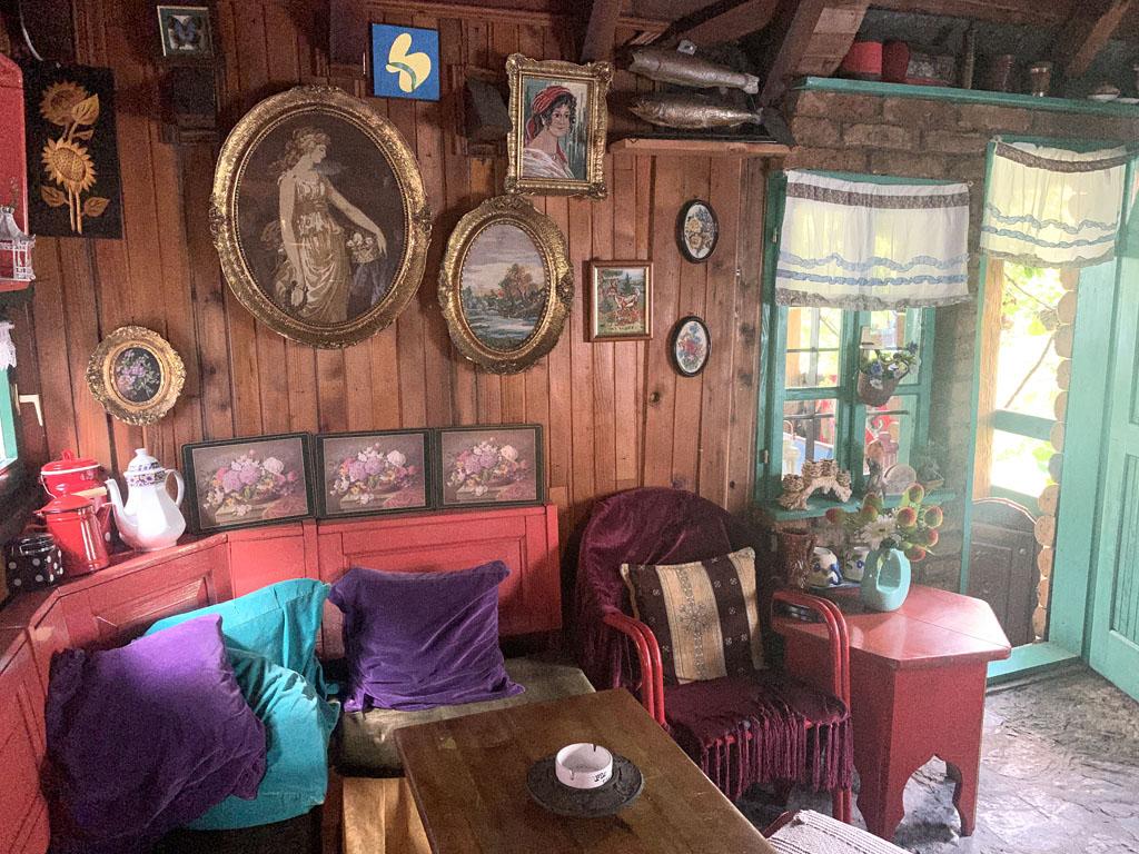 Een andere avond eten we in dit restaurant bij de Neretva rivier: Konoba Dva Ribara.
