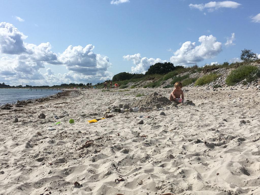 De stranden zijn in Zuid-Jutland niet overal heel breed, maar breed genoeg voor het bouwen van een zandkasteel.