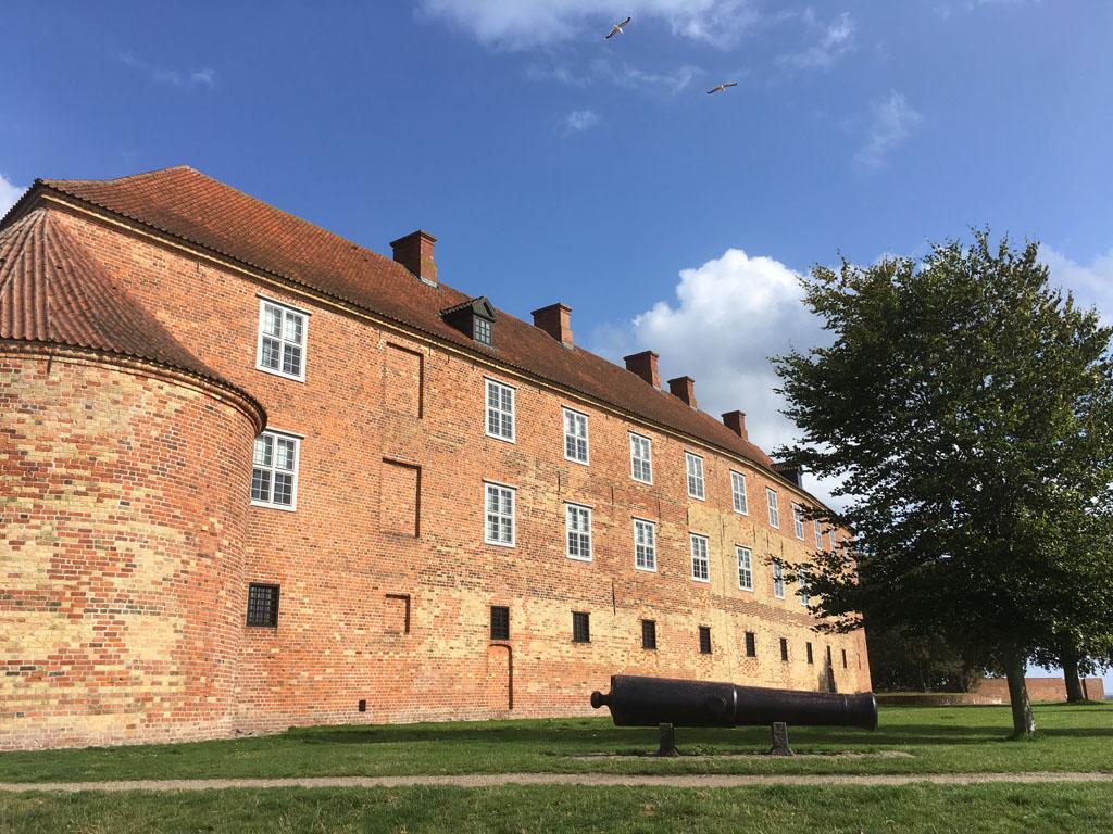 Het imposante Sønderborg Slot is niet te missen als je het stadje bezoekt.