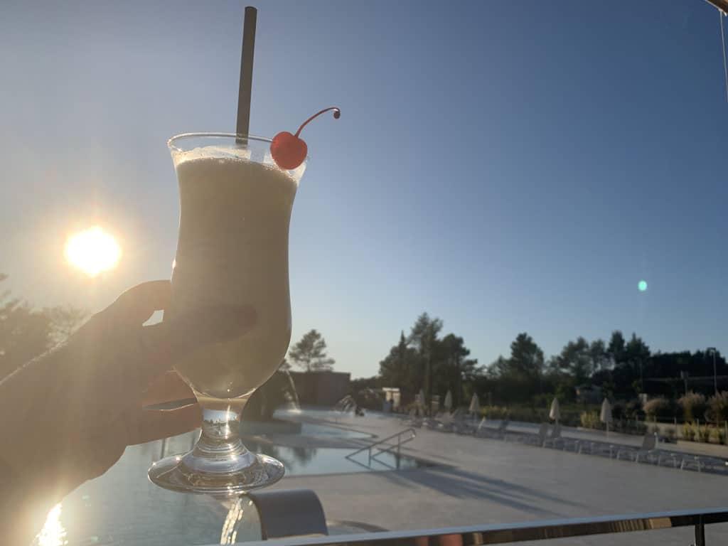Cocktailtje erbij en de zon die langzaam onder gaat.